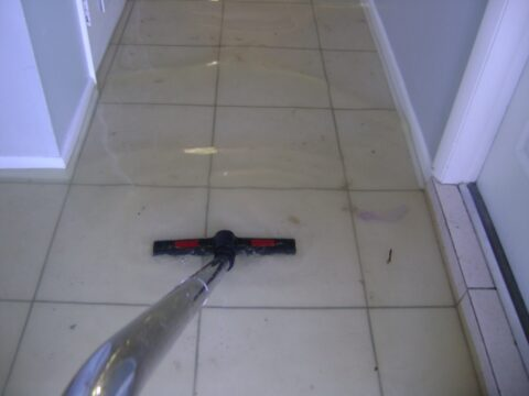 image of flooded room for sonshine carpet cleaning